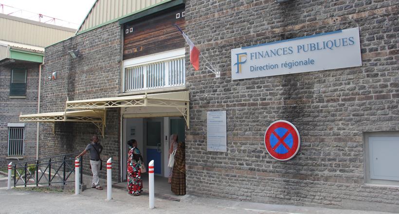 Finances publiques : La Poste comme solution au trafic de timbres fiscaux