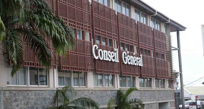 Le Département va débloquer 5 000 € pour Saint-Martin et s'inquiète quant aux risques cycloniques à Mayotte
