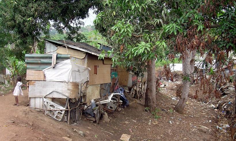 Les chiffres qui rendent le confinement compliqué à Mayotte