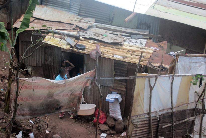 À Mayotte, l'impossible confinement des plus pauvres