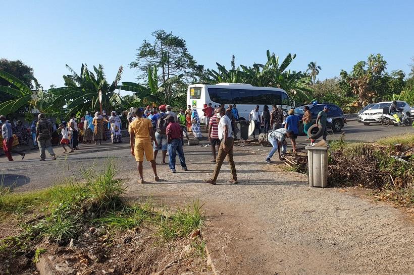 Mayotte : Un barrage à Bambo Est pour dénoncer les incivilités dans le village