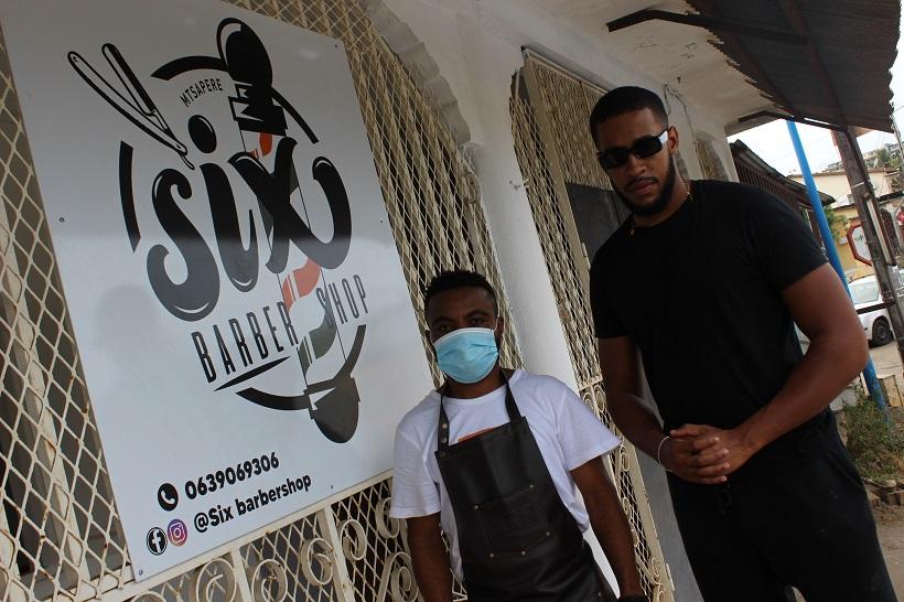 Étudiant en architecture, Nahed Saidali ouvre Six Barbershop à M'Tsapéré