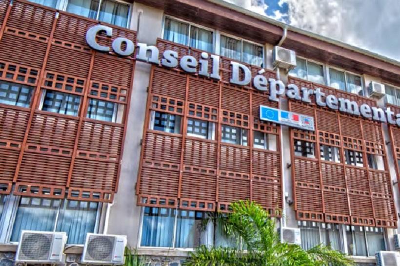 Surveillance des plages, ménage, jardins… Des agents du CD de Mayotte entrent en grève