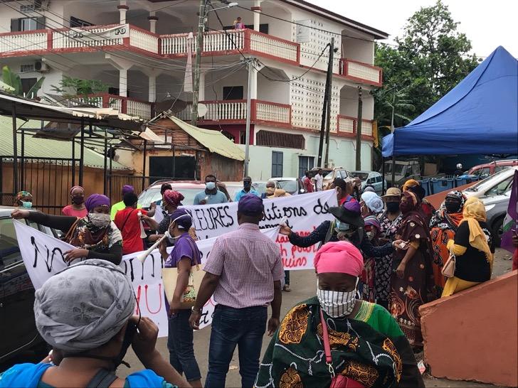 Bras de fer entre les salariés du laboratoire privé de Mayotte et leur direction