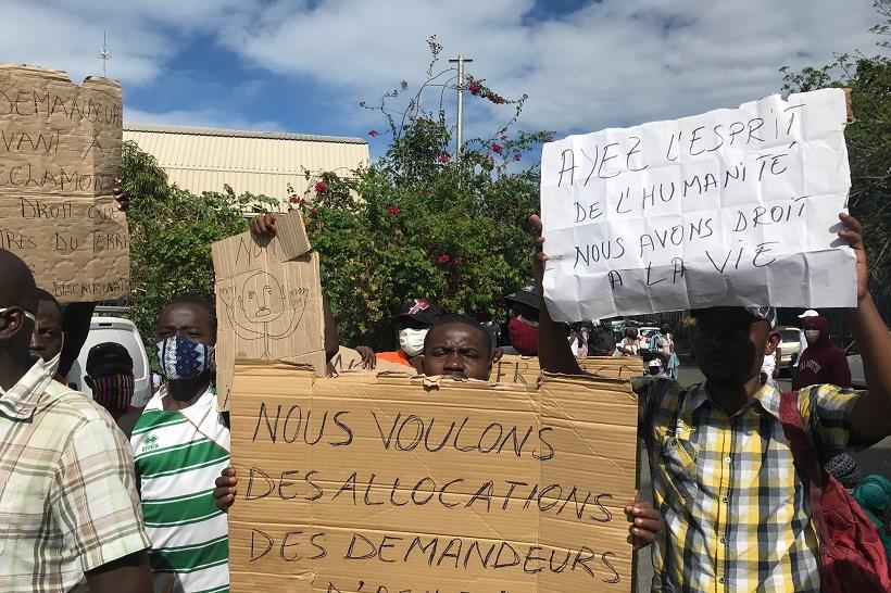 """""""L'afflux considérable d'immigrés à Mayotte ralentit le traitement des procédures"""""""
