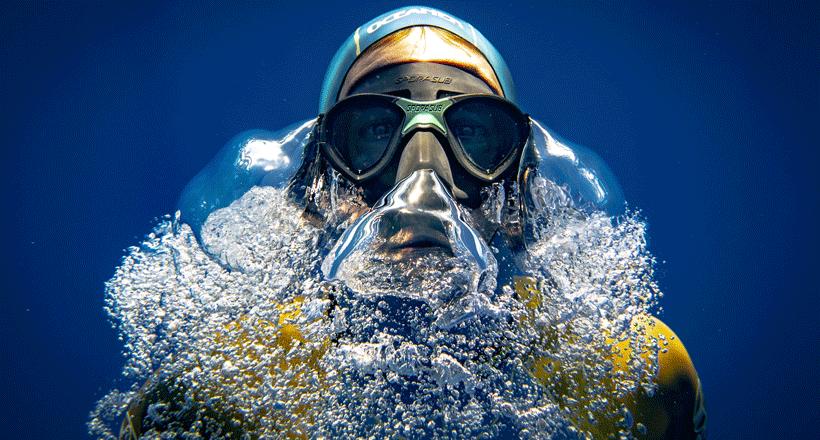 """""""À couper le souffle"""", en apnée dans le lagon de Mayotte avec un champion mondial"""