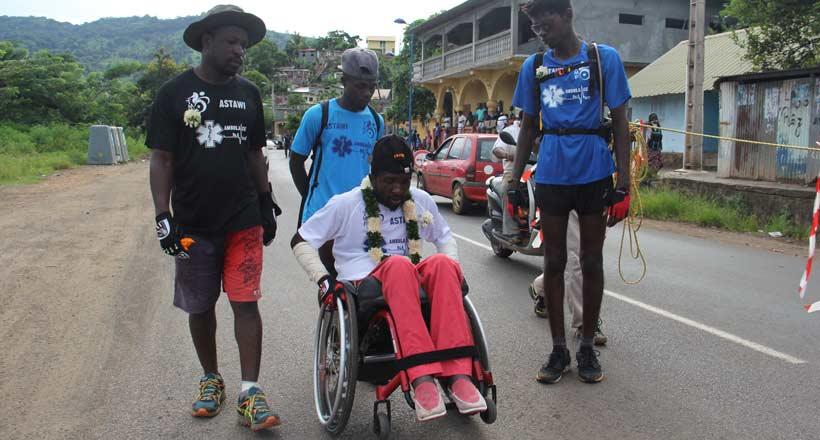 Tour de Mayotte en fauteuil roulant : Engouement populaire autour de l'événement