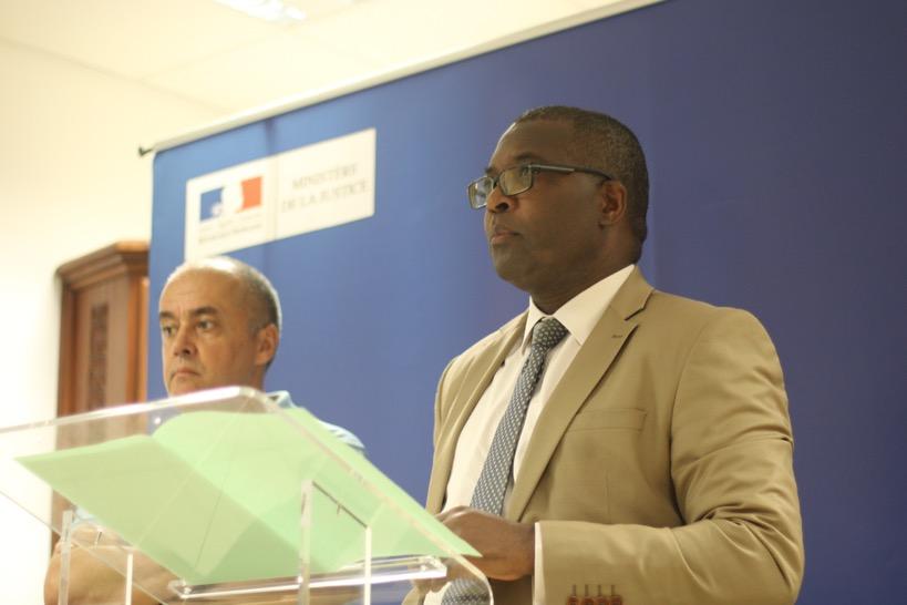 """Mayotte : """"nous n'accepterons pas que des milices se fassent justice"""""""
