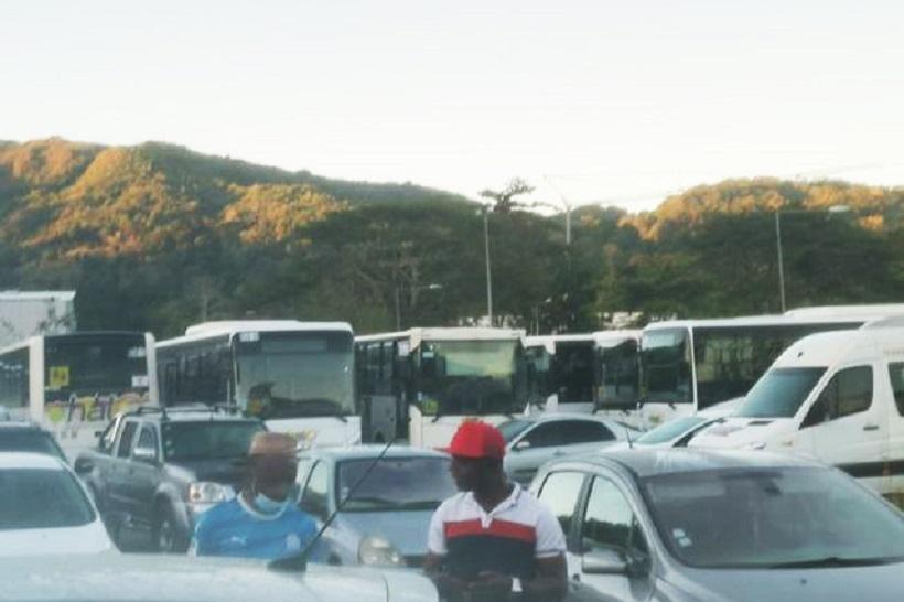 Des transporteurs mahorais toujours en grève pour une rentrée bis