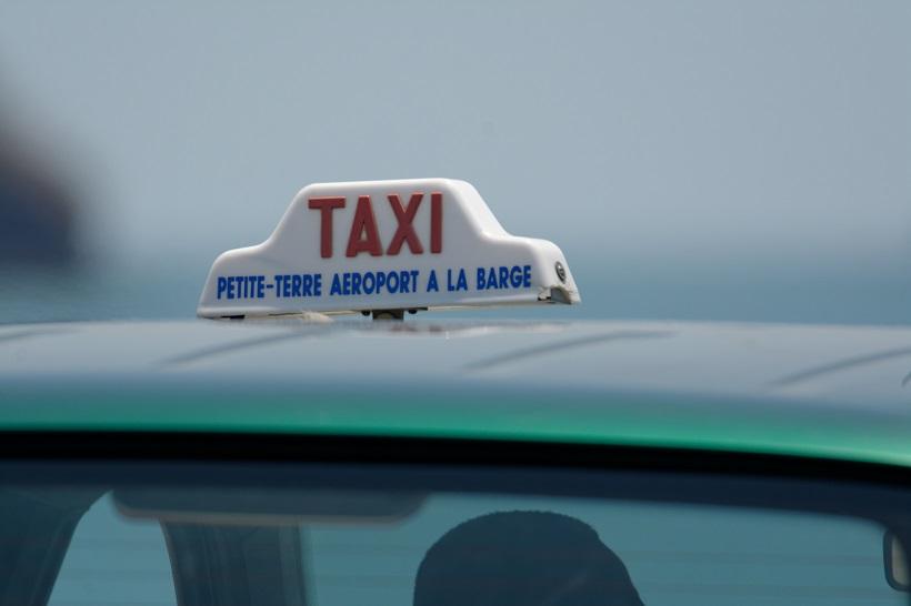 Les chauffeurs de taxi mahorais attendent des garanties