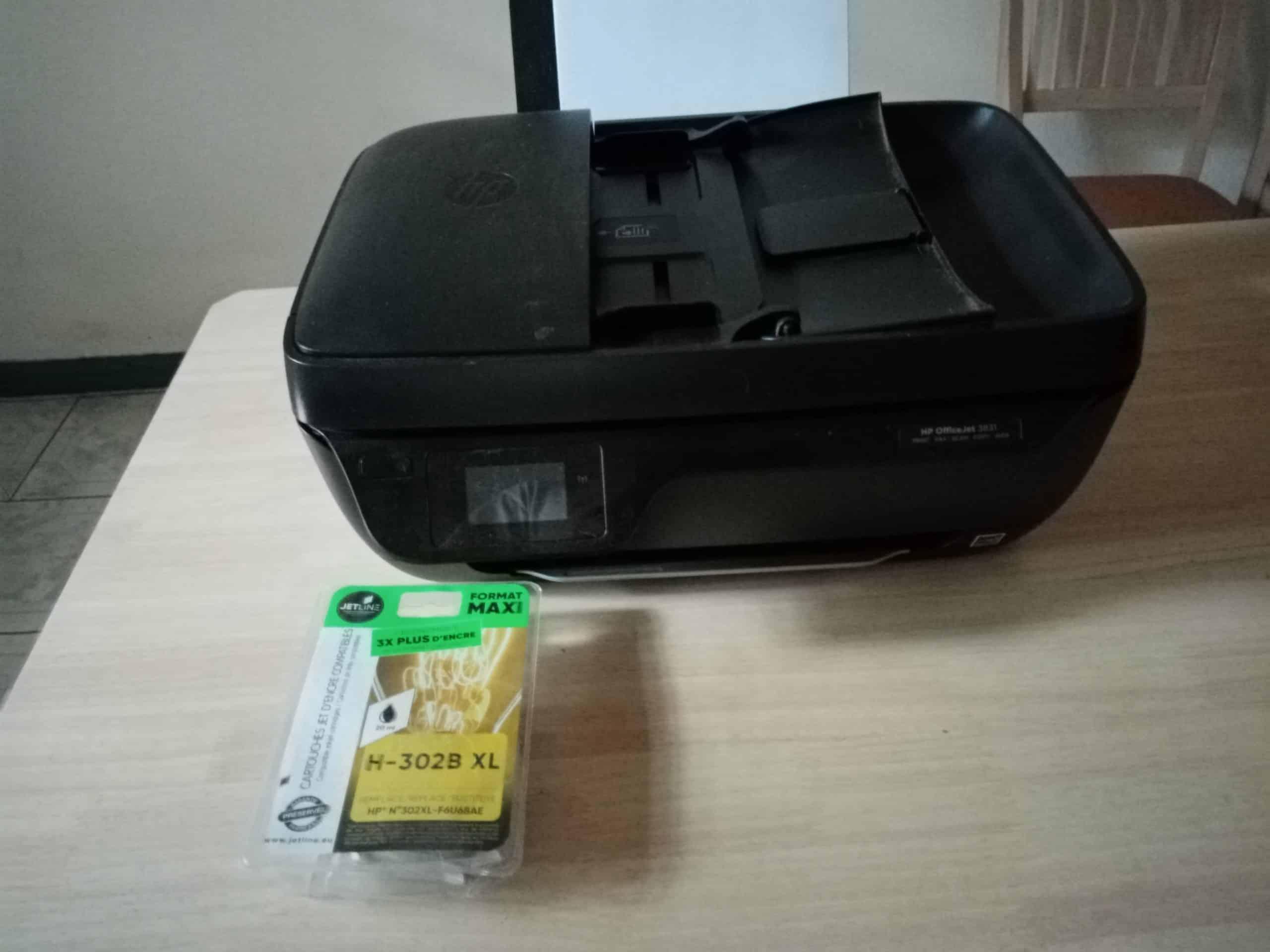 imprimante HP Officejet 3831 très peu servie
