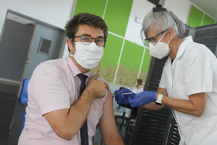 campagne-vaccination-recteur-mayotte-pique-par-enseignante