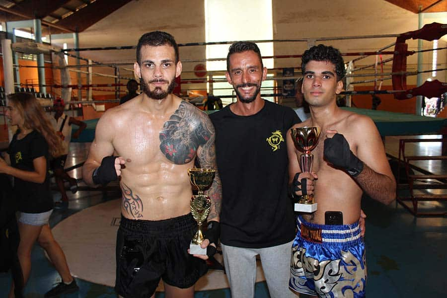 sportifs-confines-champion-kick-booxing-maxime-rochefeuille