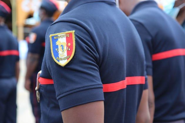 sapeurs-pompiers-prise-commandement-colonel-olivier-neis-discours-hommages-gestes-barrieres